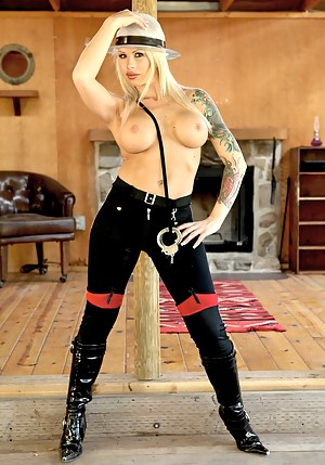 Free Inked Mature Porn Pictures
