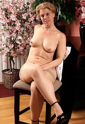 Free Mature Erotic Porn Pictures